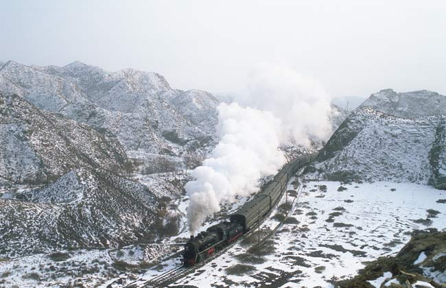 Baiyin: steam through the mountains
