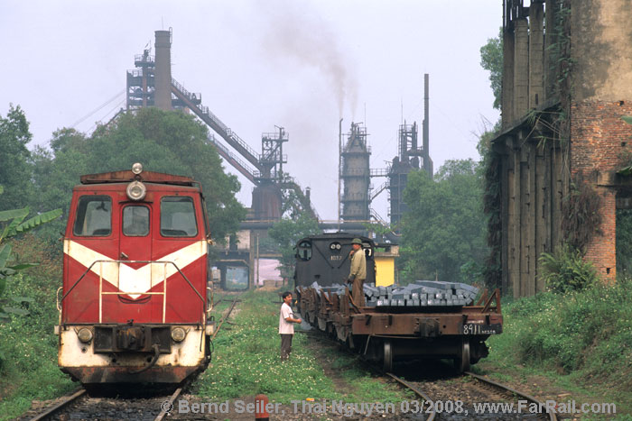 Steam and diesel in Vietnam: steelworks Thai Nguyen